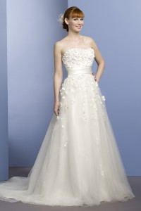 ウェディングドレス W9053
